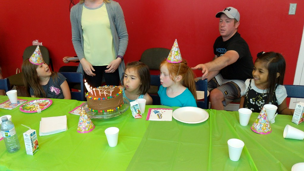 Evelyn turns 6!!