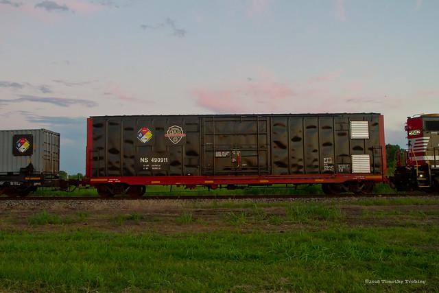 Safety Train - NS #490911 Boxcar
