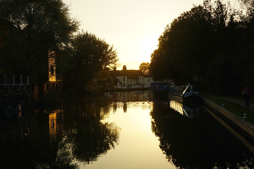 newbury berkshire england uk town kennetandavoncanal canal evening sunset
