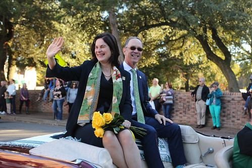 William & Mary President Katherine A. Rowe and her husband, Bruce Jacobson, took part in their first Homecoming Parade. | by William & Mary Photos