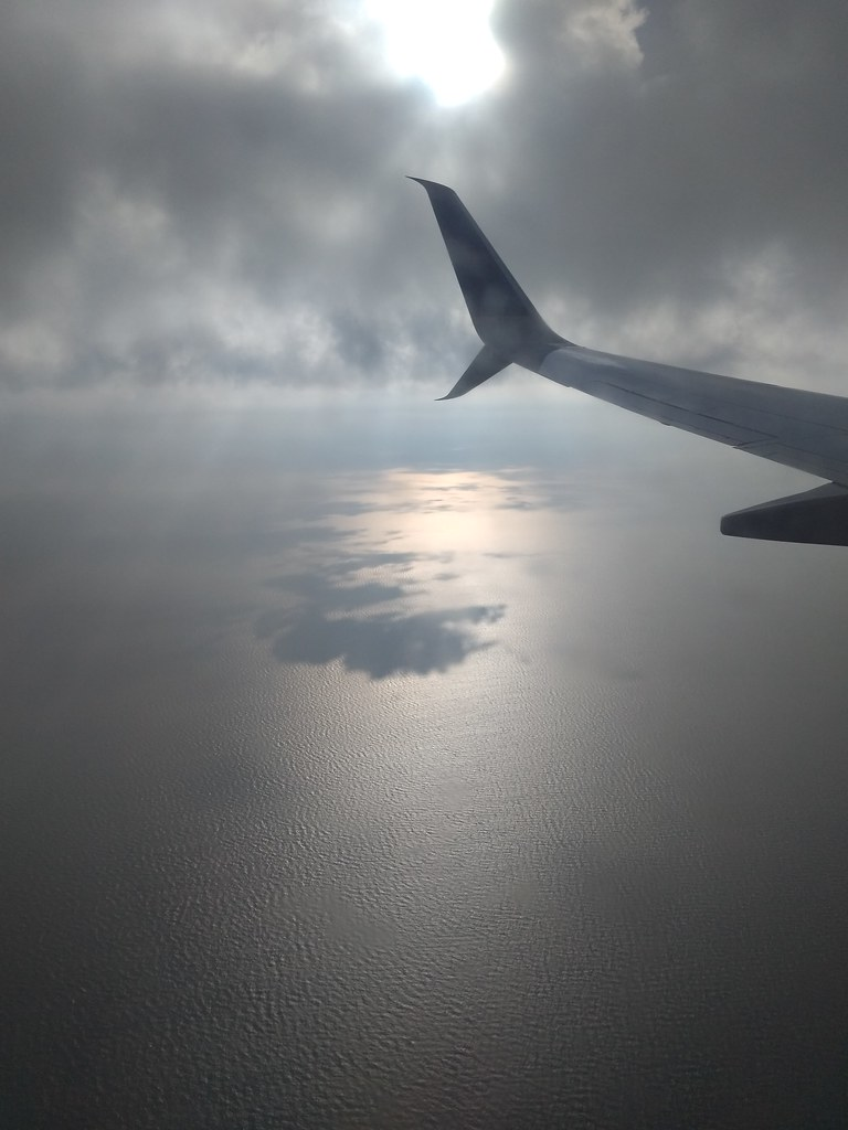 United Airlines flight over Lake Michigan
