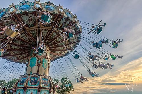 canobie canobielake newhampshire nh canobielakepark newengland carousel amusementpark ride davincisdream people kids sunset summer d7000