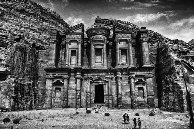 DSC_0393 Ad-Deir - Le monastère de Petra B&W