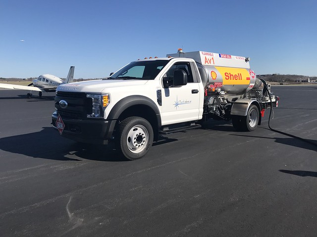 Ford F-450 XL Super Duty Aircraft Fueling Truck