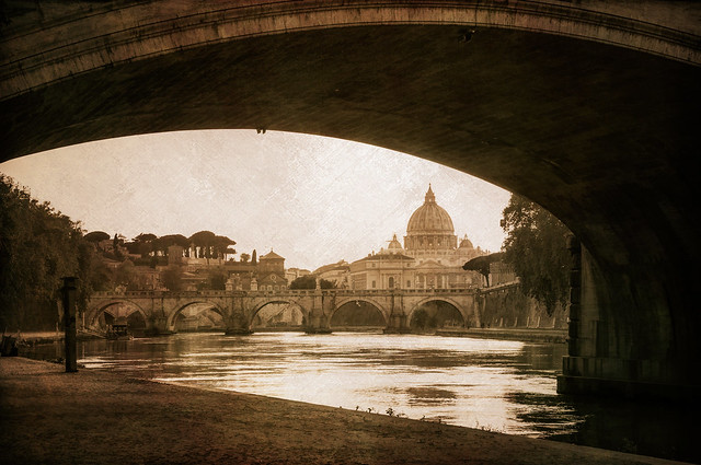 Below the Ponte Umberto - Textured Duotone