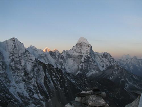 nepal mountains trek geotagged peak himalaya amadablam solukhumbu sagamartha geo:lat=2792052610906926 geo:lon=8693503490426679