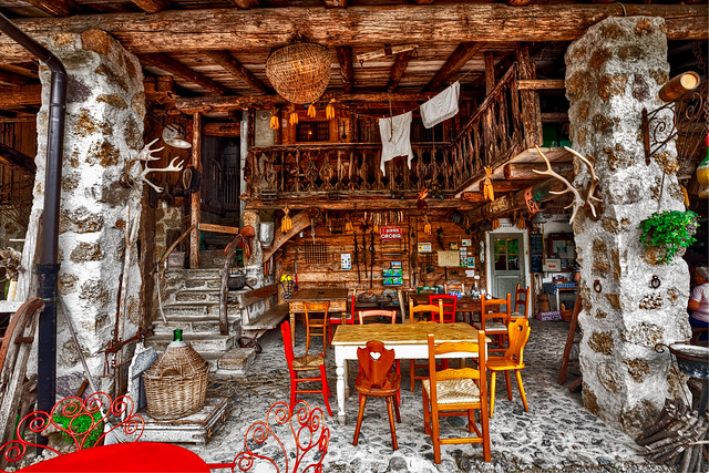 Malga Bassa Farmhouse -  Enjoy your meal