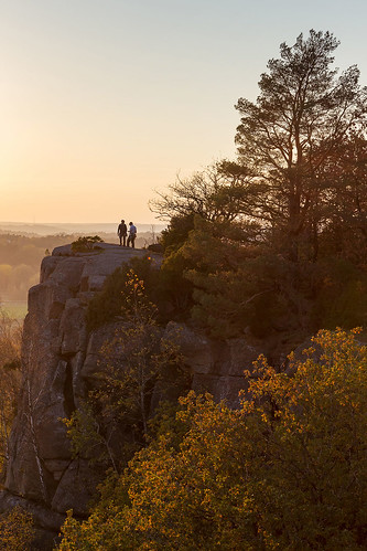 gothenburg västragötalandcounty sweden se utby fjällbo utbybergen cliffs rocks rockclimbing climber trees sunset people autumn fall canoneos6d canonef24105mmf4lisusm