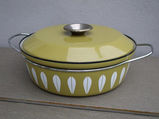 Vintage Catherine Holm Advocado Green Enamel Pan With Lid & Two Handles Mid Century Modern