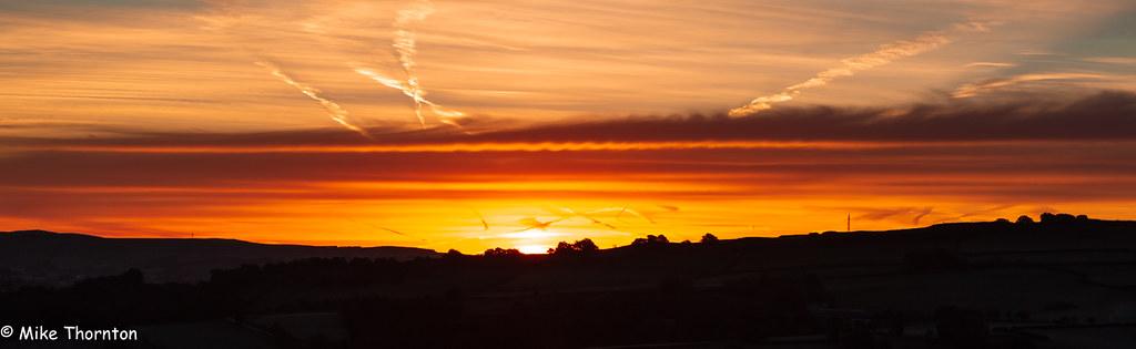 Sunrise over the Derbyshire Hills 7415