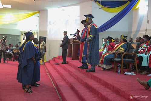 The Vice-Chancellor and Pro-Vice-Chancellor sharing words of advise with some First Class Honours graduates.