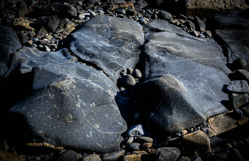 20x18170 Rock Conversation