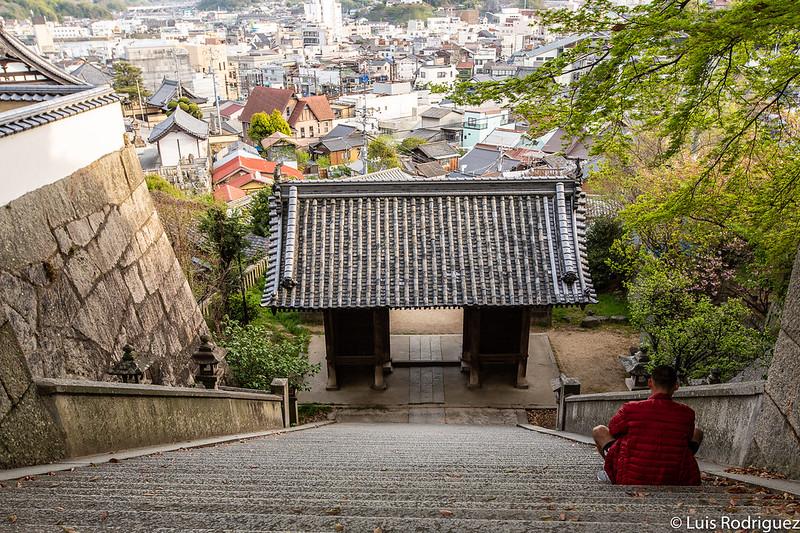 Famosa escalinata del santuario Misode Tenmangu