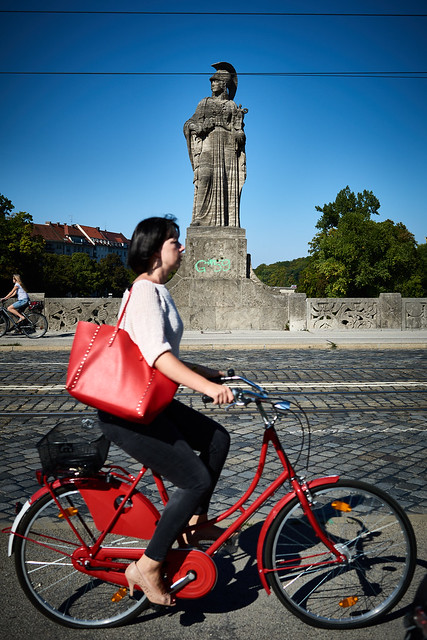 Couple: Red bike - red bag