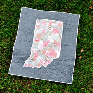 Indiana applique baby quilt | by Lindsay Sews {@CraftBuds}