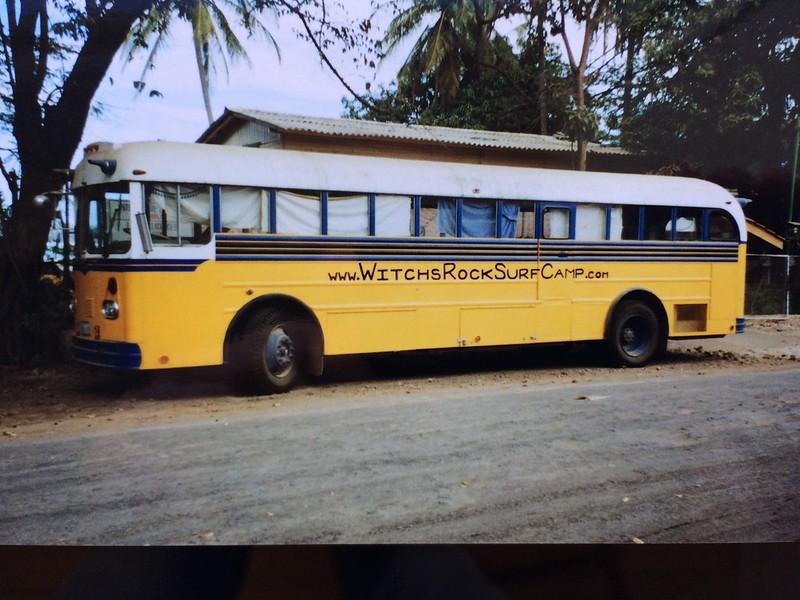 Jeg overnattede i denne bus for USD 5,00 pr. nat, da jeg kendte indehaveren af hotellet som lå inde bagved. Tamrindo