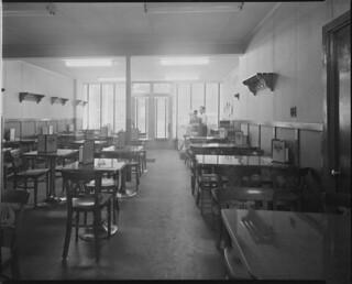 Interior of Chez Emile Restaurant, Quebec City, Quebec / Intérieur du restaurant Chez Émile, Québec (Québec)