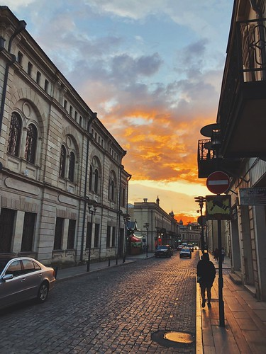 magicmoment sunset georgia kutaisi travel ipx snap smartphone mobilephone phonetography shotoniphone iphonex iphone apple