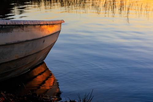 bokeh landscape pitkäjärvi auringonlasku reflection syksy vene espoo suomi jupperi aurinko autumn boat fall finland järvi lake scandinavia sun sundown sunset uusimaa fi