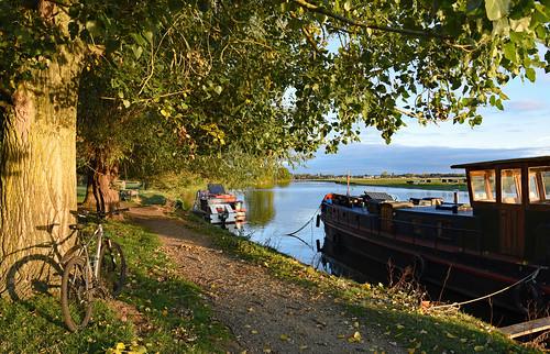 riverthames binsey nikond810 nikkor2485mmf3545gedvrlens oxfordshire lynskeyridgeline29er boat thamestowpath
