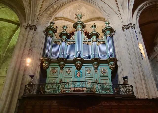 Cathédrale St.-Sauveur - Aix-en-Provence, France  CRW_6192rt 2