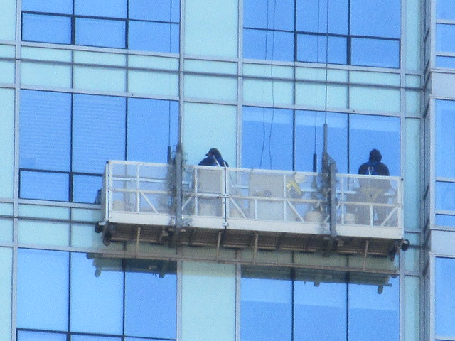 2018 Window Washers Cleaning Tower Halloween 4086