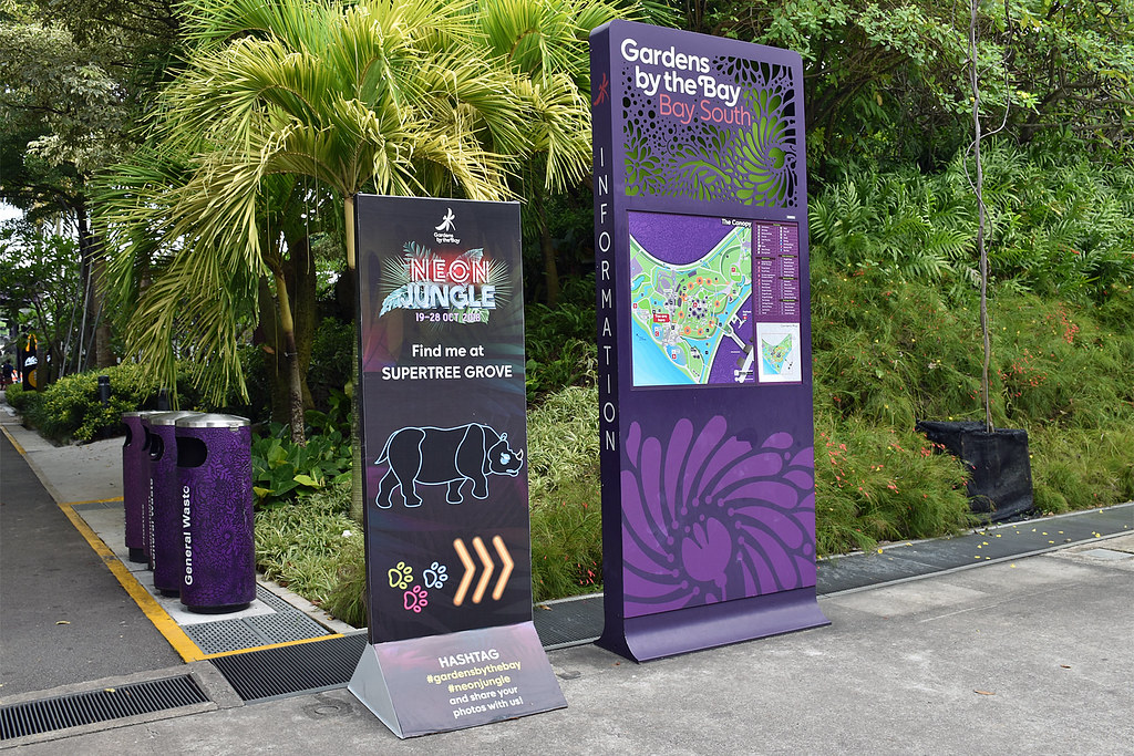 Neon Jungle Directional Signs At The Gardens By The Bay To Flickr