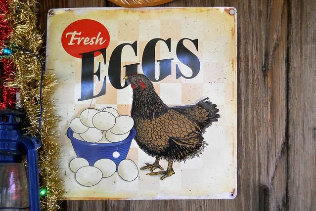 Fresh Eggs sign