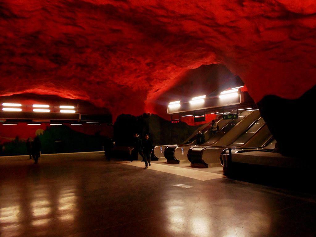 """Метро Стокгольма. Станция """"Solna Centrum""""."""