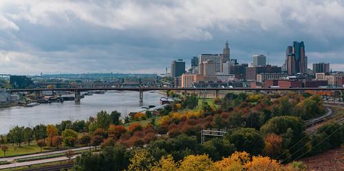 daytonsbluff minnesota saintpaul saintpaulskyline stpaul stpaulskyline autumn fall fallcolors foliage panorama panoramic skyline trees