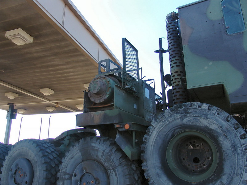 M1070 Heavy Equipment Transport 6