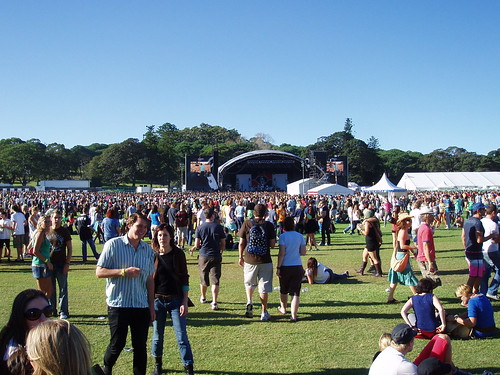 Getting Busy - V Festival 2007, Sydney | by Charlie Brewer