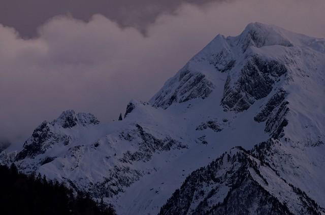 Première neige sur le pic de la Mine, Pyrénées, France