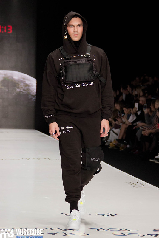 mercedes_benz_fashion_week_black_star_wear_006