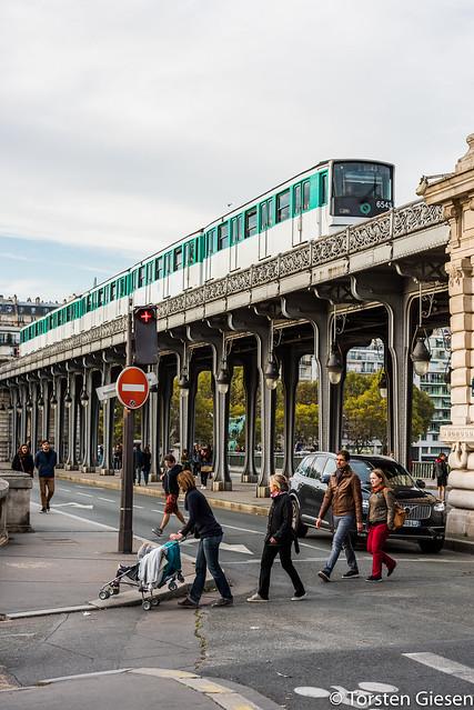 Paris_Pont_de_Bir-Hakeim_RATP_Ligne6_MP68-6543_30092018_185mm