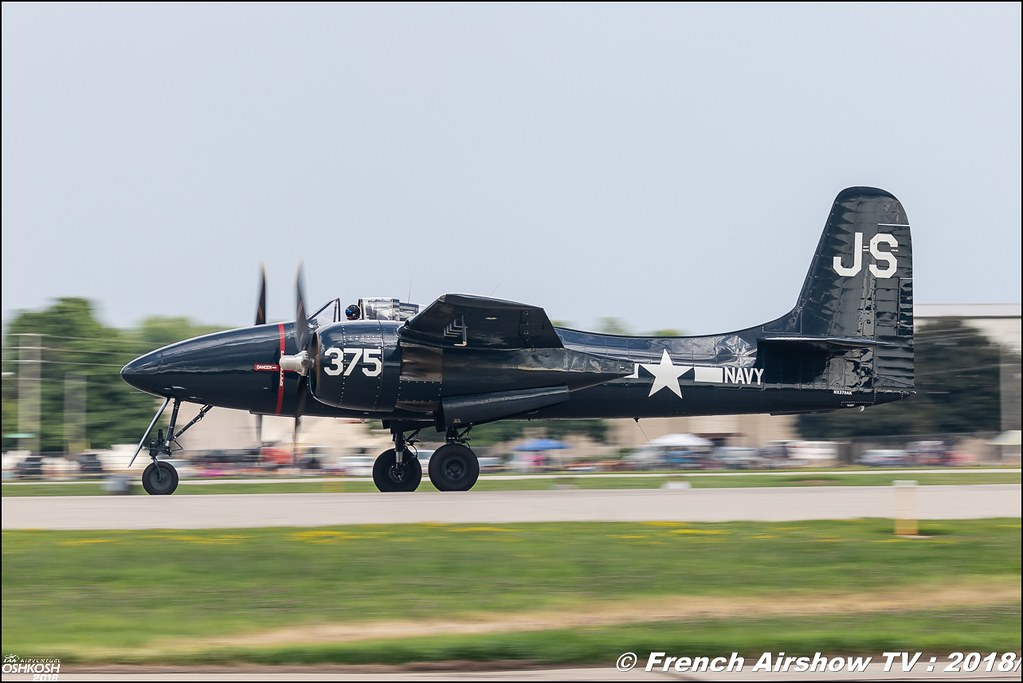 F7F Tigercat NX7629C NX379AK EAA Air Venture Oshkosh 2018 Wisconsin Canon Sigma France contemporary lens Meeting Aerien 2018