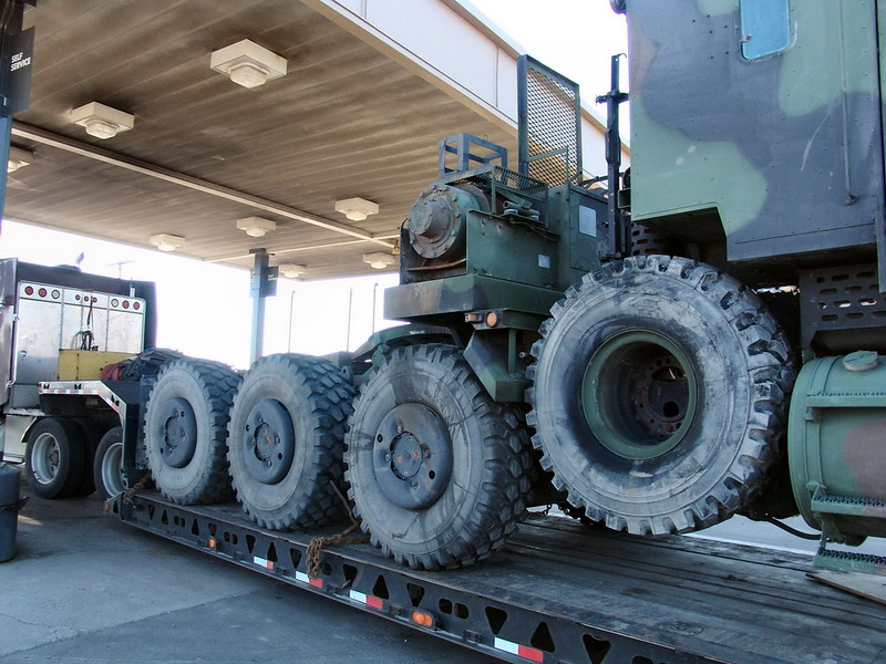 M1070 Heavy Equipment Transport 9
