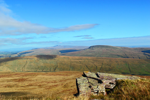 hir penyfan pen fan corn du gyhirych fraith hewitt nutall brecon beacons national park geoparc powys mid wales mountain mountainscape landscape welsh view spectacular stunning