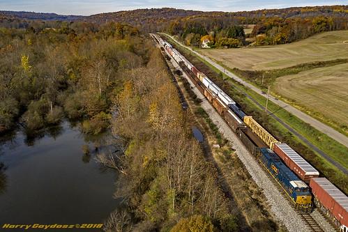 trains railroads locomotives pa pennsylvania edinburg csxt csxtransportation csxt3107 csxtd755