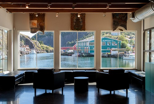 quidividi newfoundland nfld tourism window view landscape stjohns rural canada atlanticcanada avalonpeninsula chairs seats interior architecture windows atlantic ocean harbour sea eastcoast building