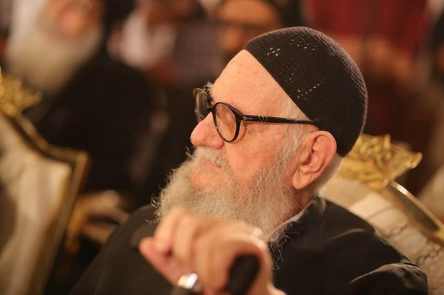 القمص مكارى عبد الله - كاهن كنيسة رئيس الملائكة الجليل ميخائيل - طوسون - شبرا - القاهرة