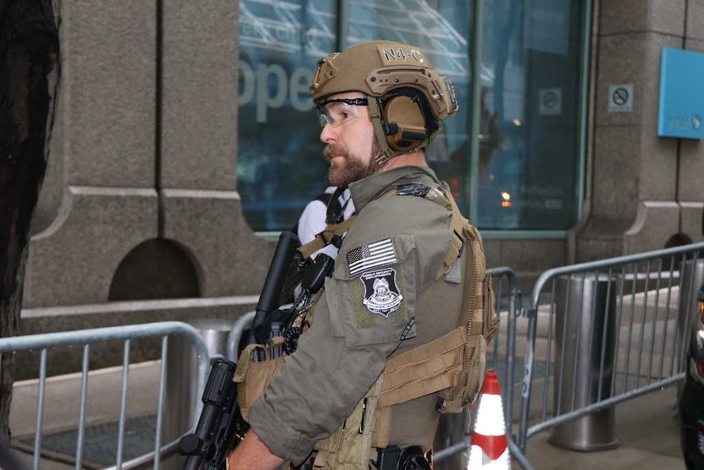 DSS special agents with a MSD unit secure multiple locatio