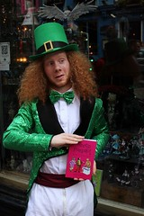 Sat, 01/01/2000 - 00:03 - Oisín - Scotland's Only Leprechaun with BOOK 2 for the POSE album. #Fart2018