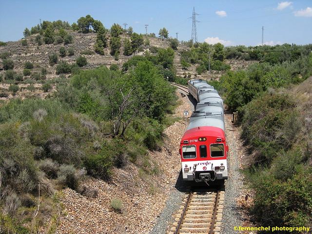 Tren de Cercanías de Renfe (Línea C-5) a su paso por NOVALICHES (Castellón)
