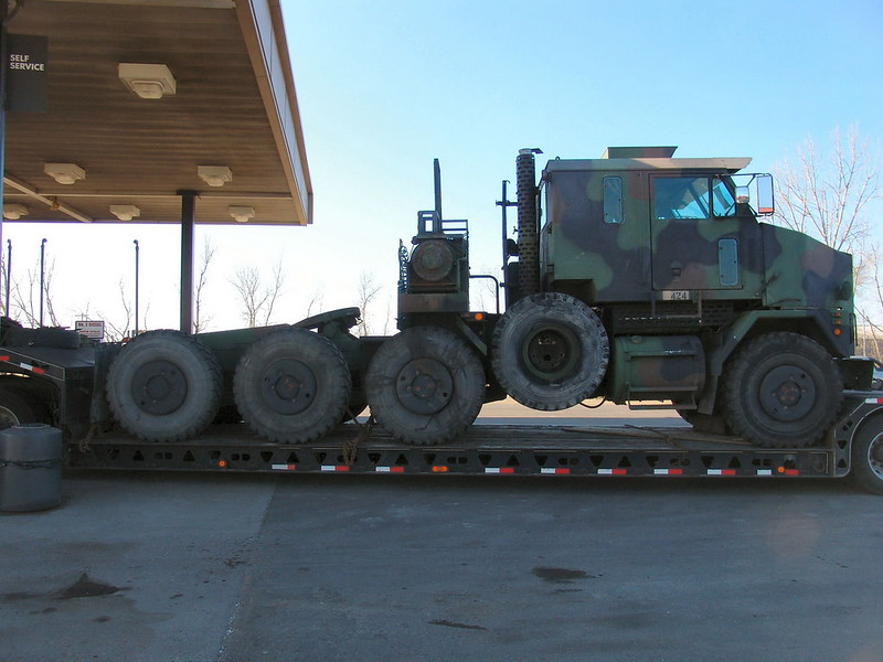 M1070 Heavy Equipment Transport 5