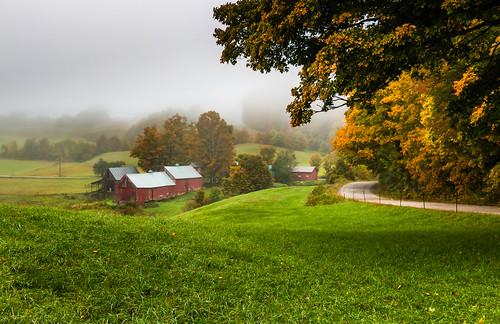 vermont jennefarm autumn readingvermont farm newengland