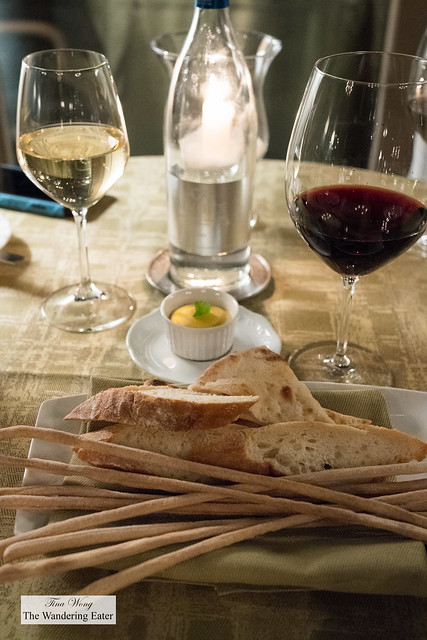Colmello di Grotta Coldigrotta Merlot and Sauvignon Blanc with bread service and pumpkin butter