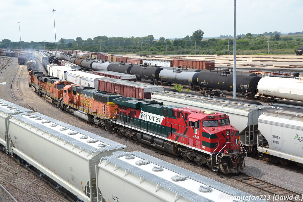 FXE 4646 GE ES44AC | Trucks, Buses, & Trains by