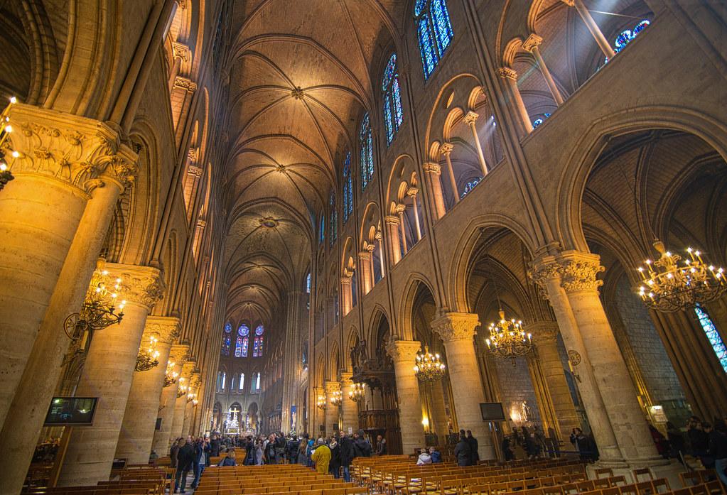 The 37m Nave Of The Cath 233 Drale Notre Dame De Paris Flickr