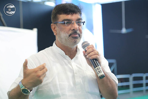 Vivek Mauji, expresses his views